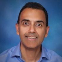 Sunil Mirapri(グローバル・ビジネス顧問)
